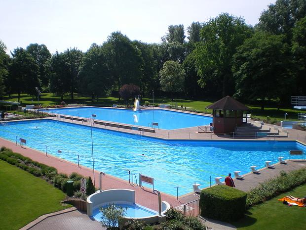 Waldschwimmbad Becken